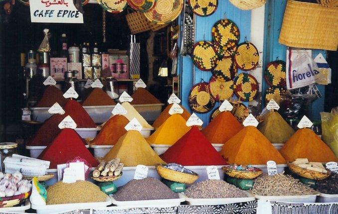 Boutique d'épices dans les souks d'Essaouira