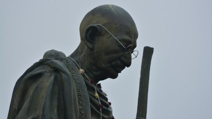 racist Gandhi statue removed across the world