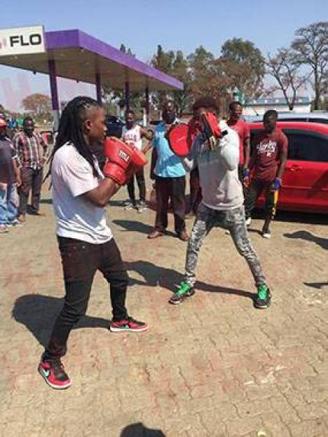 Andy Muridzo Shows Off His Street Boxing Skills