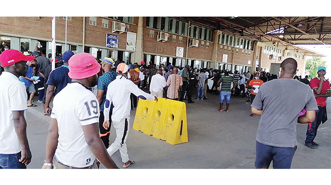 Congestion At Beitbridge Border Post Worsening As Travellers Spend Up To Two Days Waiting For Clearance