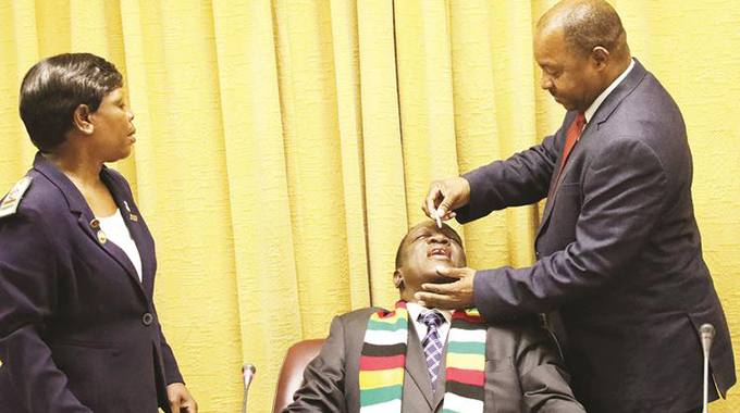 Mnangagwa And His Cabinet Set To Receive China's Covid-19 Vaccine Jab