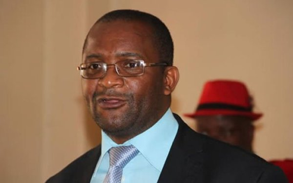 Mwonzora Locks Up MDC Headquarters