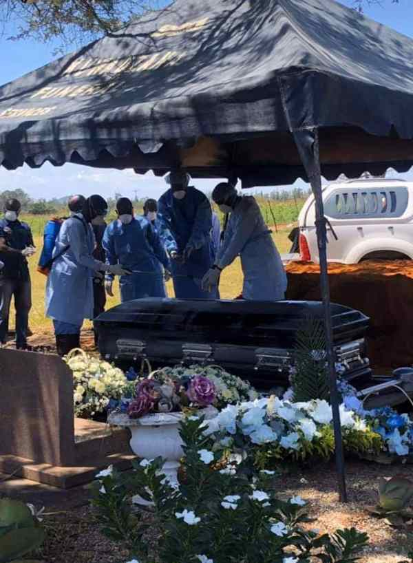 Zororo Makamba Buried