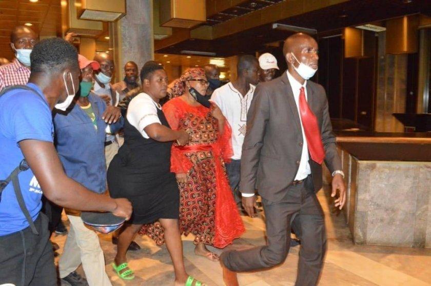 Thokozani Khupe SLAPPED As Violence, Chaos Rock MDC-T Congress