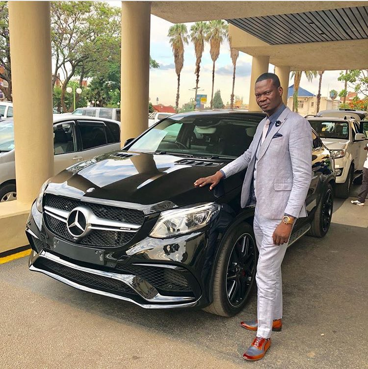 Socialite Mike Chimombe Apologizes For Dressing Casually During State House Visit-iHarare