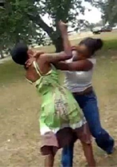 Drama As Mother And Daughter Team Up To Assault Small House Before Stripping Her Naked