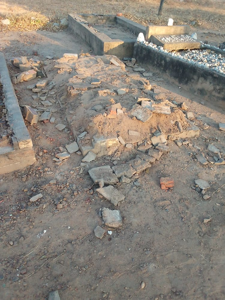 """Thieves Steal """"Wankie Bricks"""" From Graves, Sell Them To Home Builders"""
