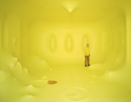 hans hemmert yellow balloon 1 600x467 Hans Hemmert Yellow Balloon Obssession