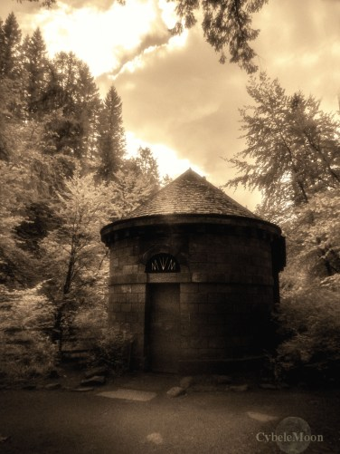 Ossian's Hall,The hermitage outside Perth