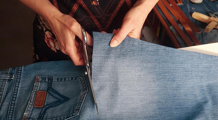 découpe du jean à la main