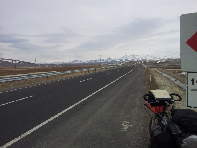 The long flat road to Horasan was a welcome change to the weeks of climbing.