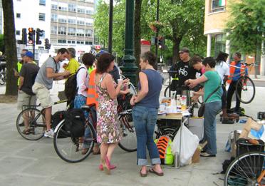 bike breakfast at Goswell Triangle
