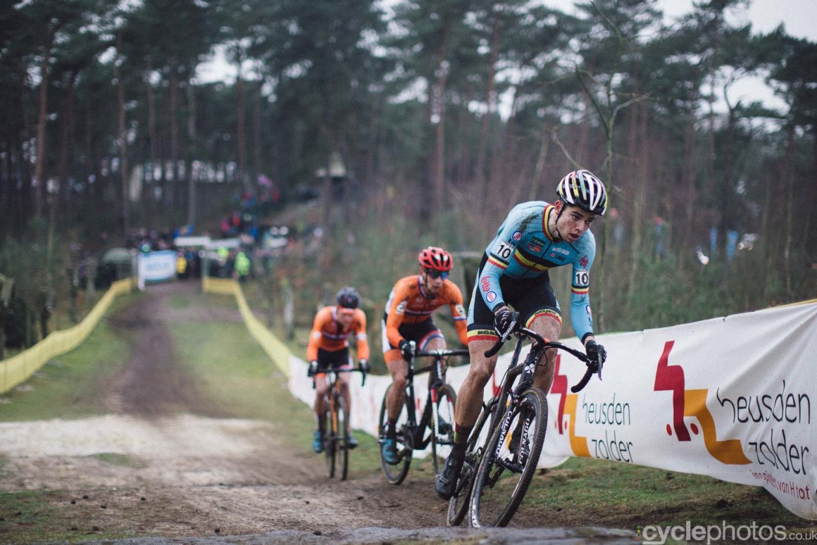 2016-cyclephotos-cyclocross-world-championships-zolder-151112-wout-van-aert