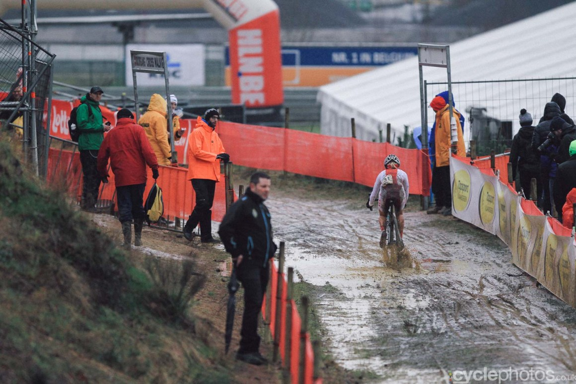 2016-cyclephotos-cyclocross-world-championships-zolder-152204-olga-wasiuk