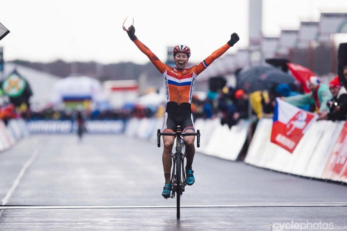 2016-cyclephotos-cyclocross-world-championships-zolder-154107-thalita-de-jong
