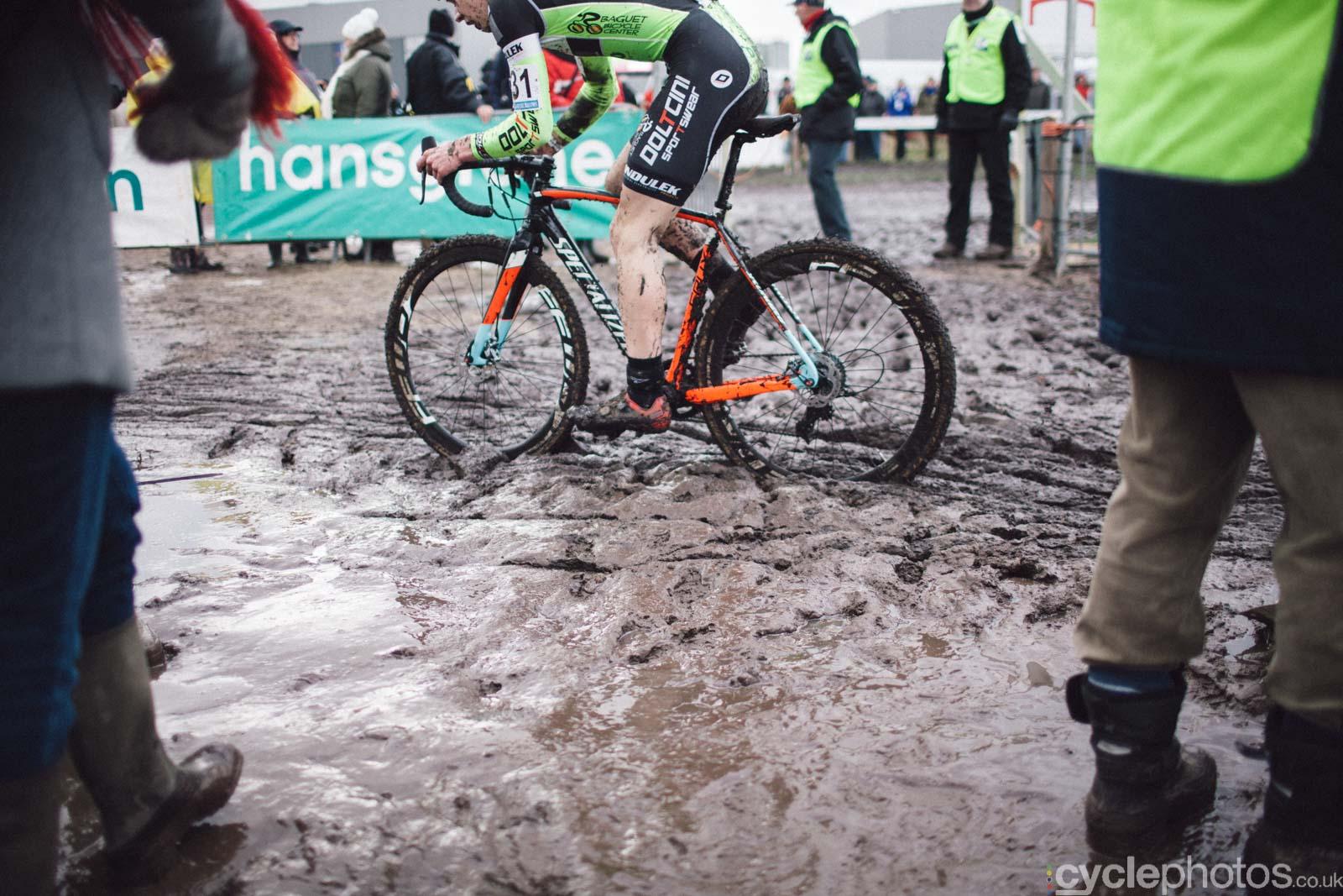 2016-cyclephotos-cyclocross-hoogstraten-125853