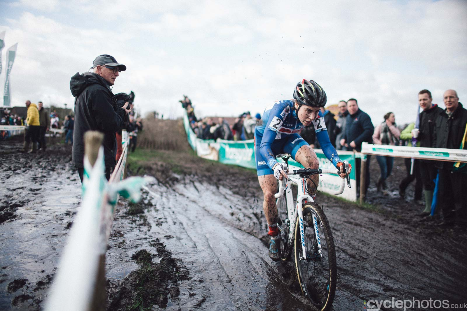 2016-cyclephotos-cyclocross-hoogstraten-141421-sanne-cant