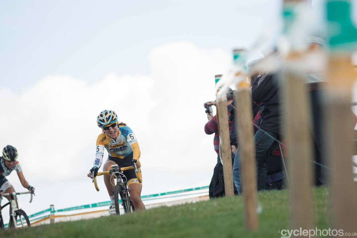 2012-cyclephotos-cyclocross-ruddervoorde-122723-amy-dombroski
