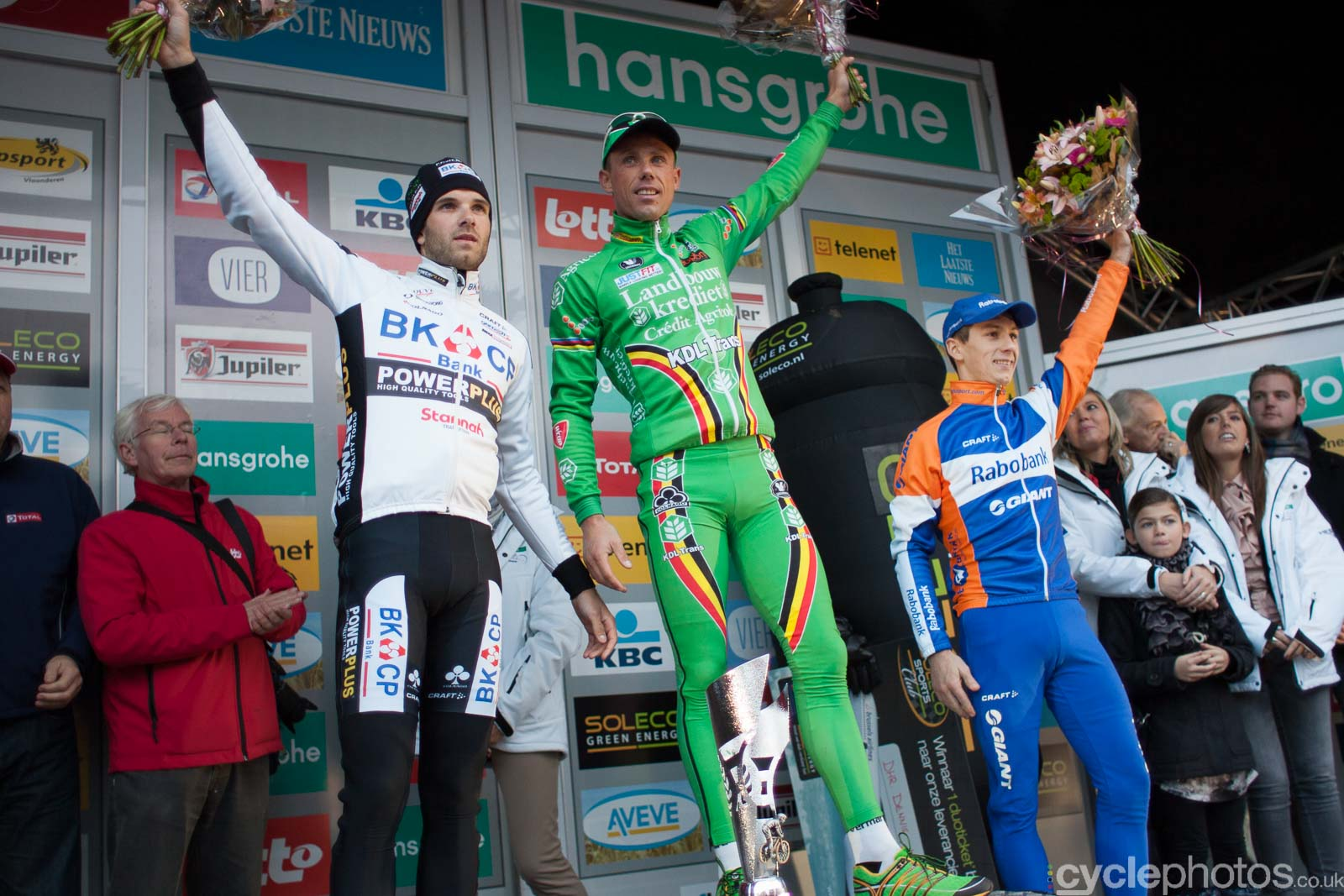 2012-cyclephotos-cyclocross-hamme-161845-podium