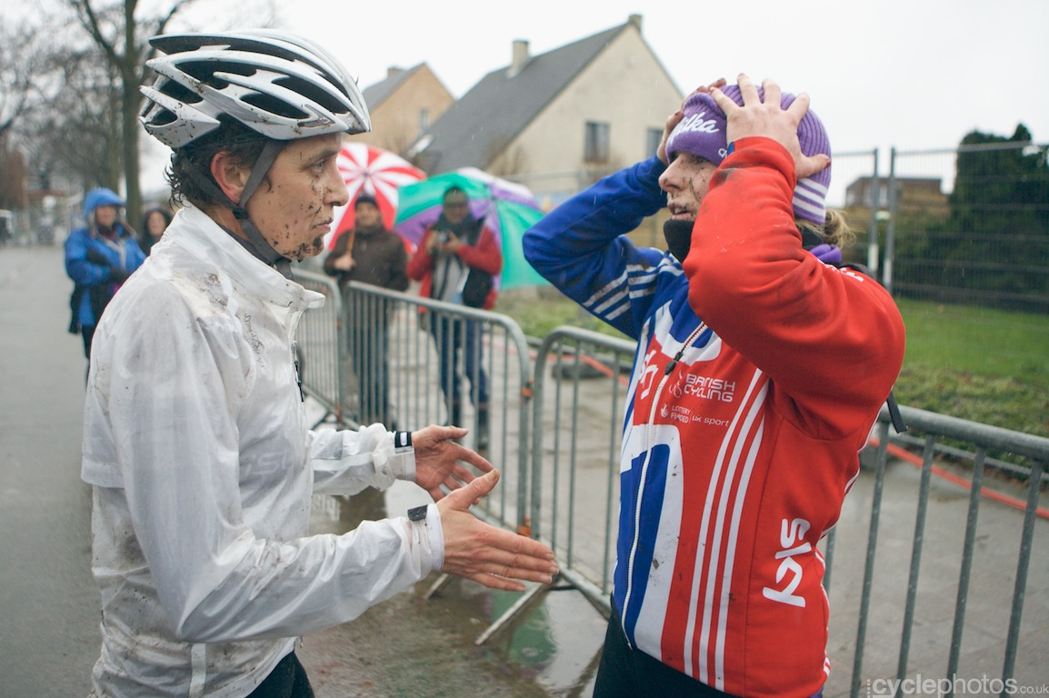 Annie Last puts on her hat after the last lap of the fifth round of the Bpost Bank Trofee Azencross in Loenhout.