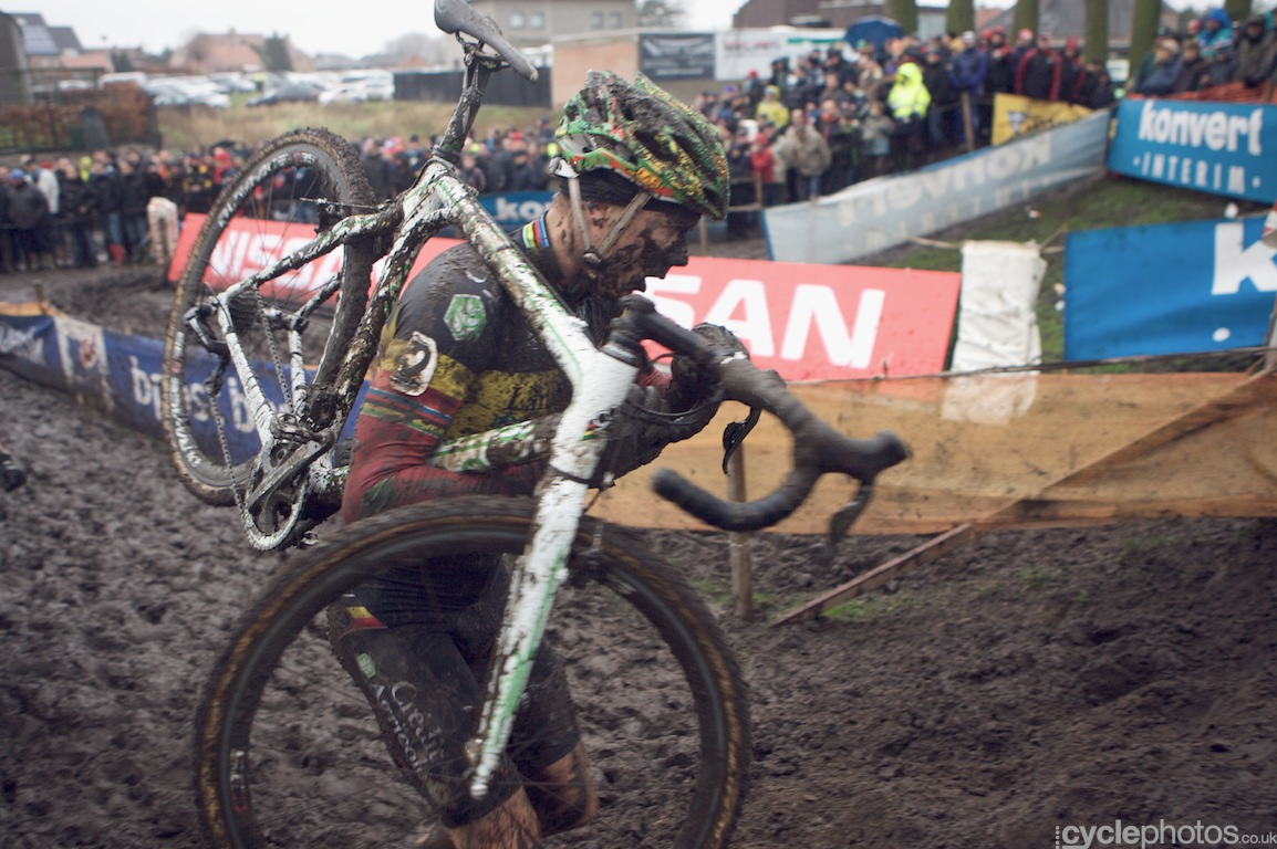 Sven Nys in the third lap of the fifth round of the Bpost Bank Trofee Azencross in Loenhout.