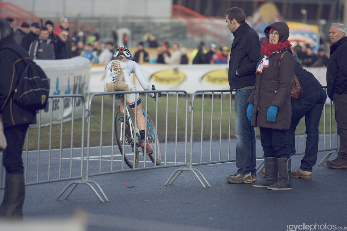 Katie Compton was hindered by a few unfortunate crashes but she still managed to finish at second place, though Sanne Cant gave her a run for her money.