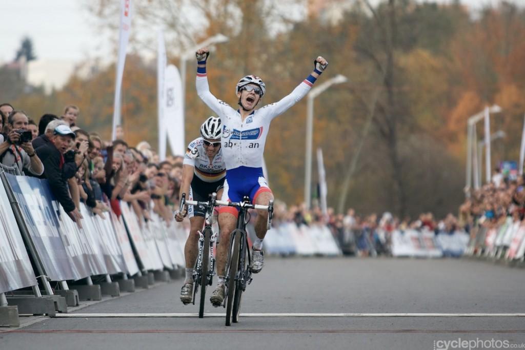 Lars van der Haar wins his second the elite men's cyclocross World Cup race.
