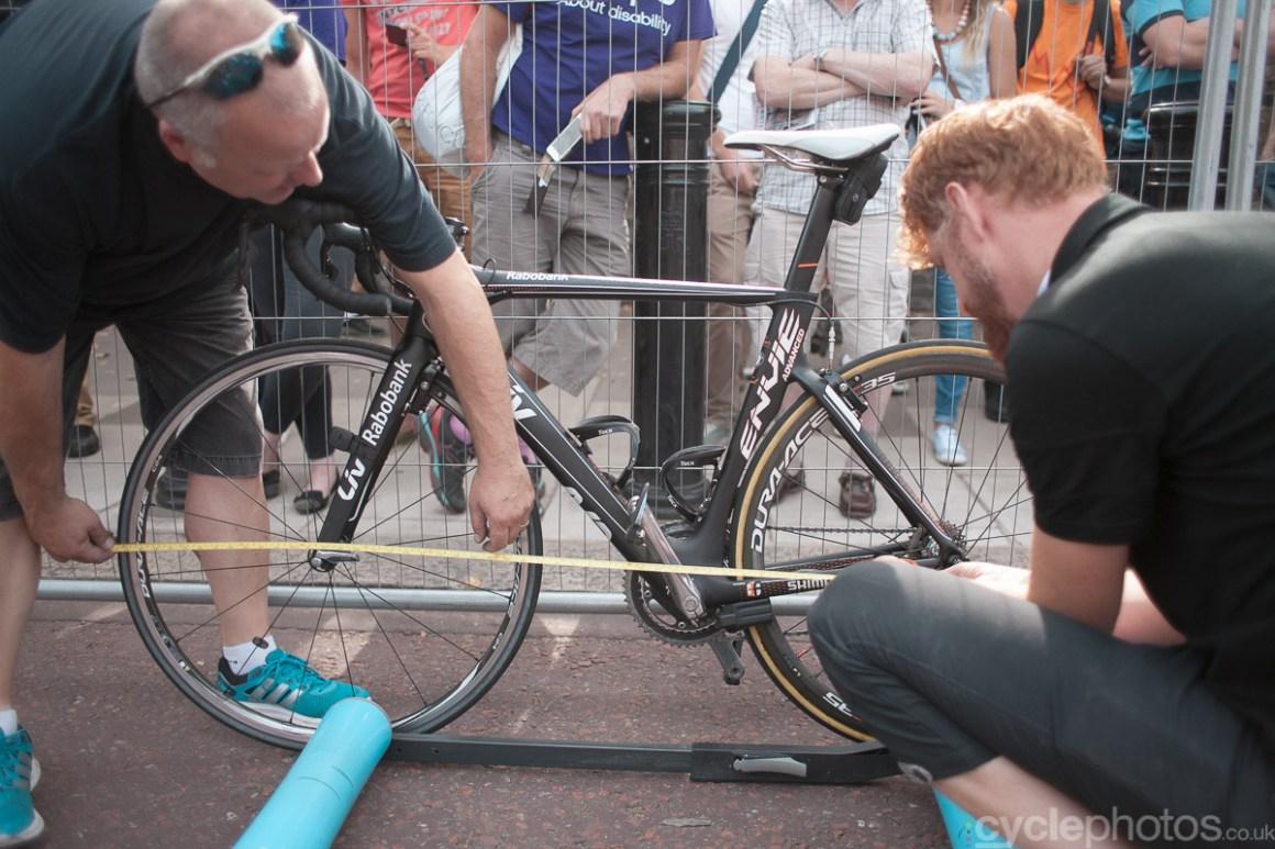 Checks on Marianne Vos' bike before  the 2014 RideLondon Grand Prix.