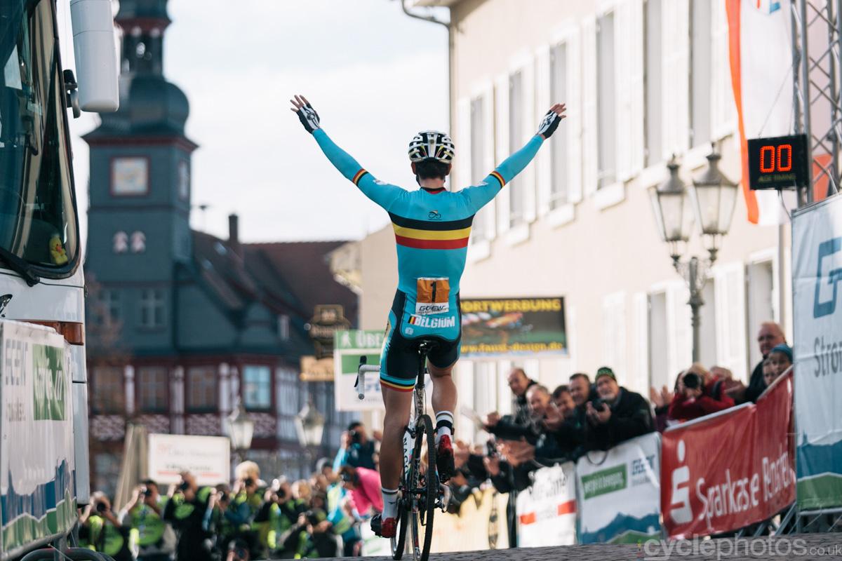 2014-cyclocross-lorsch-wout-wins-144508