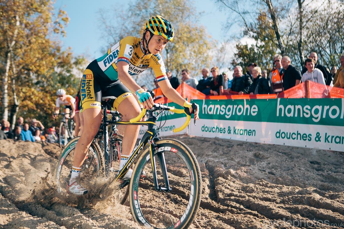 2014-cyclocross-superprestige-zonhoven-nikki-harris-132942