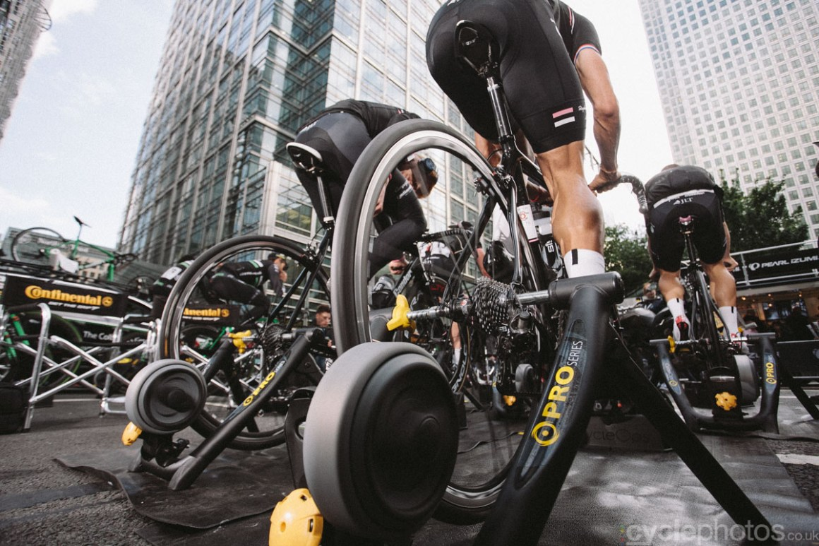 The penultimate race of the Tour Series was held at the Canary Wharf, in London. I was there to follow the Rapha-Condor team. I hadn't realised that crit racing can be so much fun.