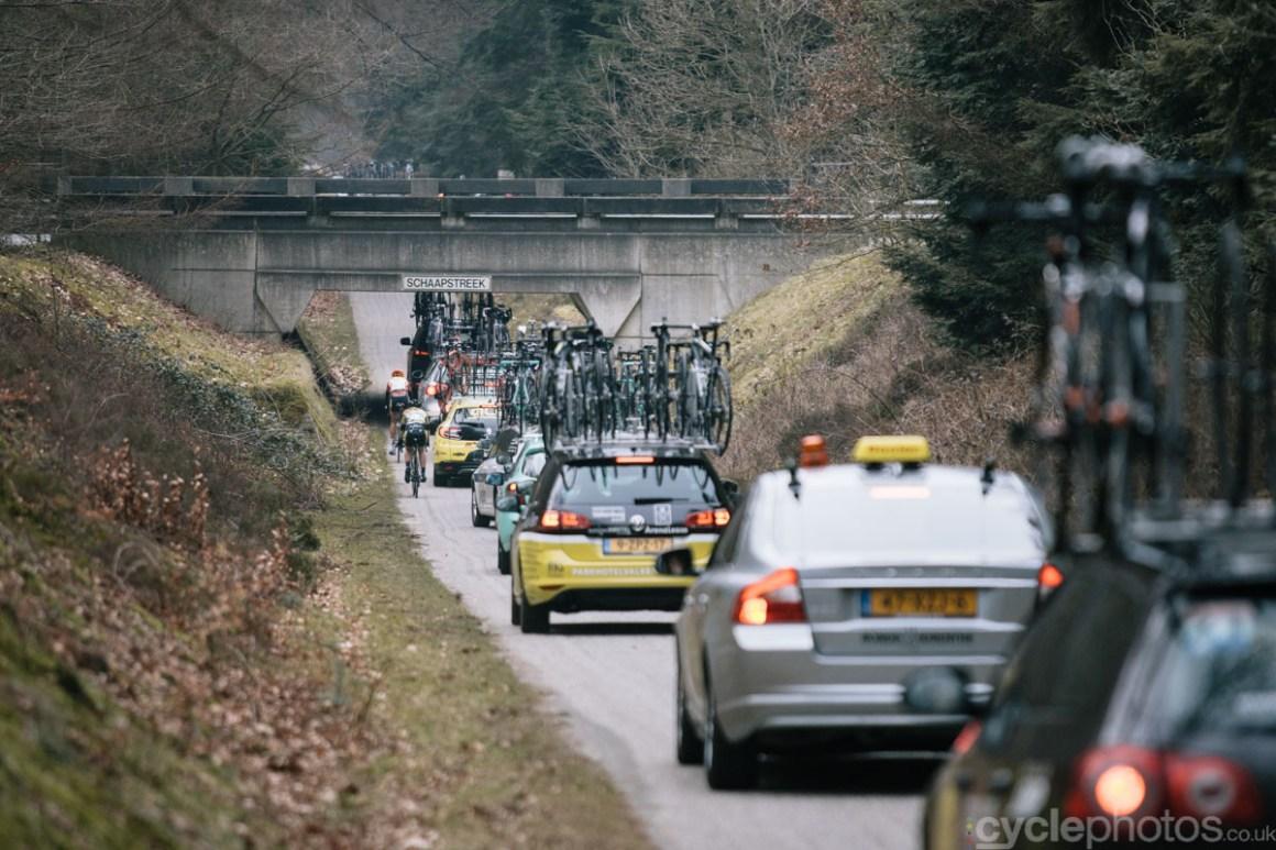 2015-womens-road-134150-ronde-van-drenthe-tunnel