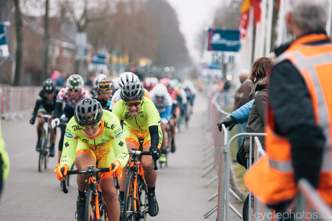 2015-womens-road-151304-ronde-van-drenthe-tongue
