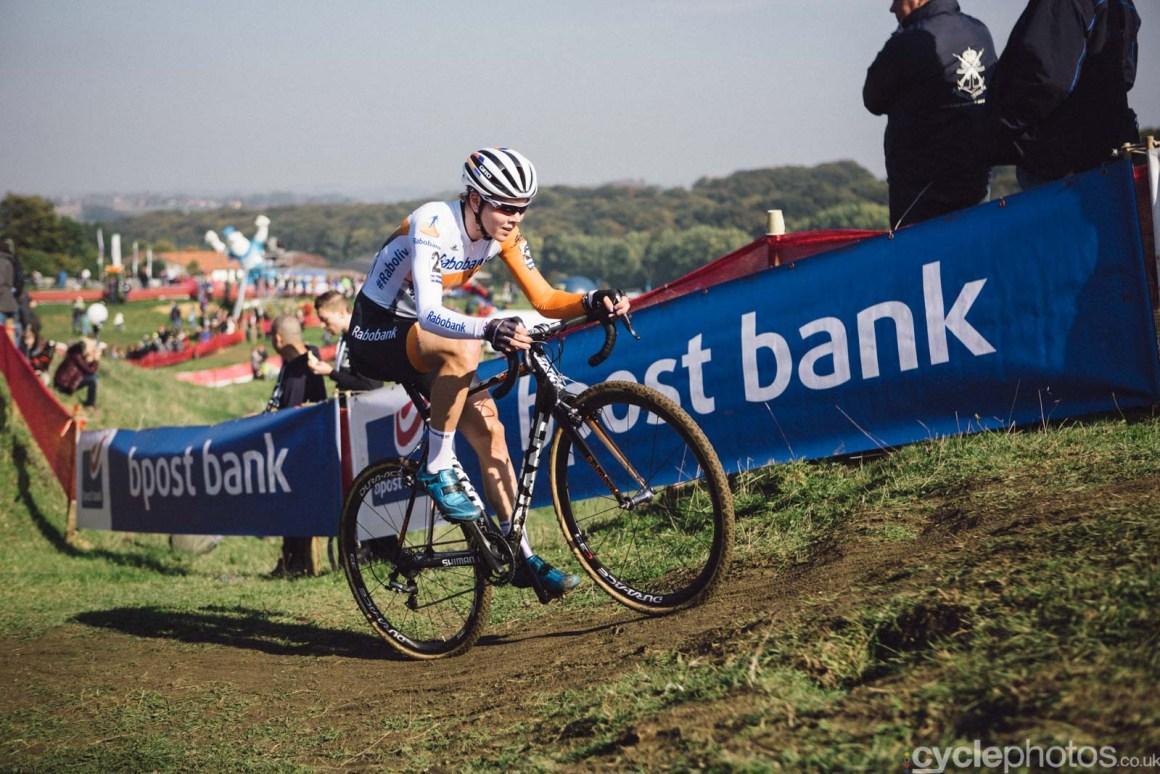 2015-cyclephotos-cyclocross-ronse-140456-thalita-de-jong