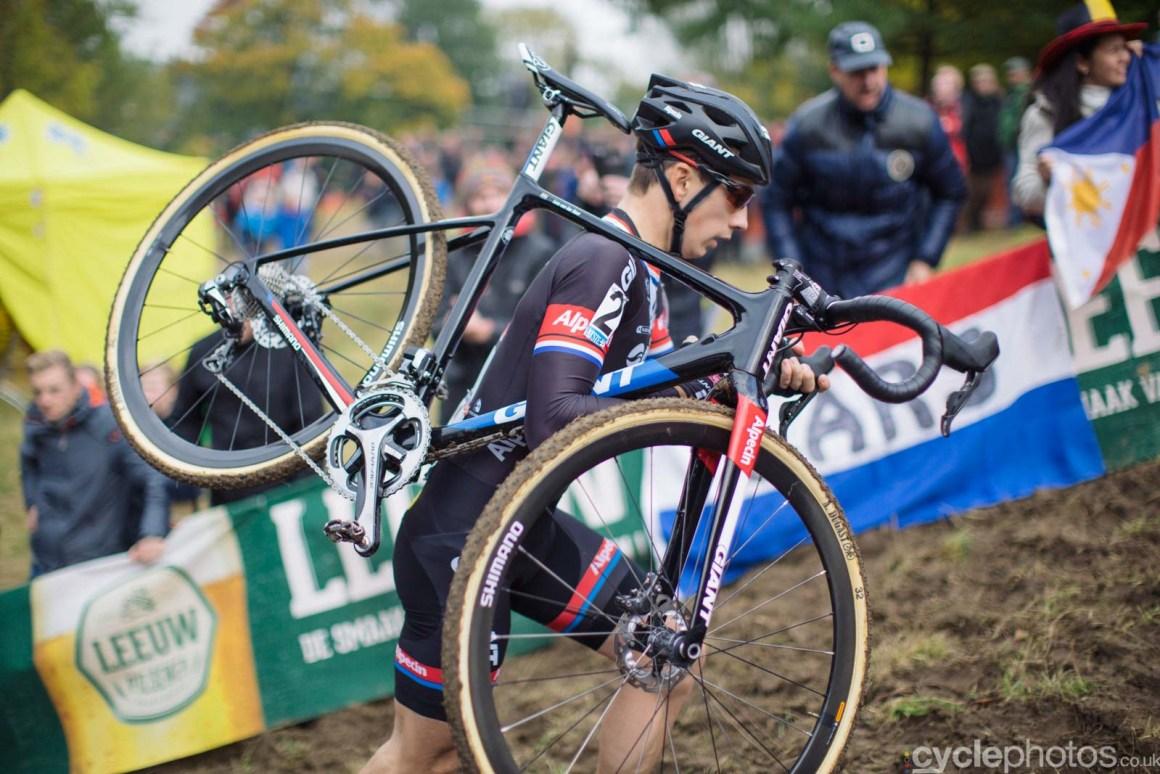 2015-cyclephotos-cyclocross-valkenburg-150315-lars-van-der-haar