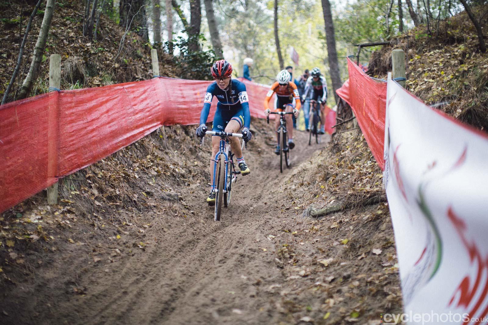 2015-cyclephotos-cyclocross-eucx-huijbergen-112804-maelle-grossetete