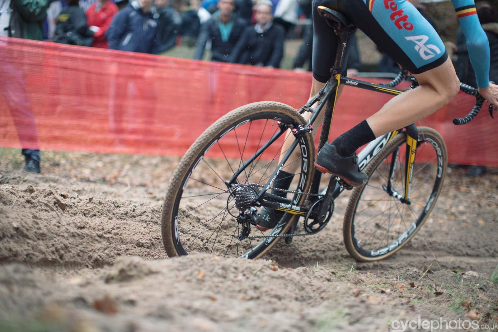 2015-cyclephotos-cyclocross-eucx-huijbergen-124748-sram-cx-drivetrain