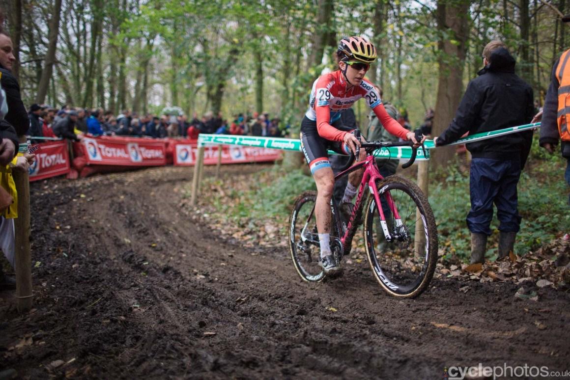 2015-cyclephotos-cyclocross-gavere-135803-christine-majerus