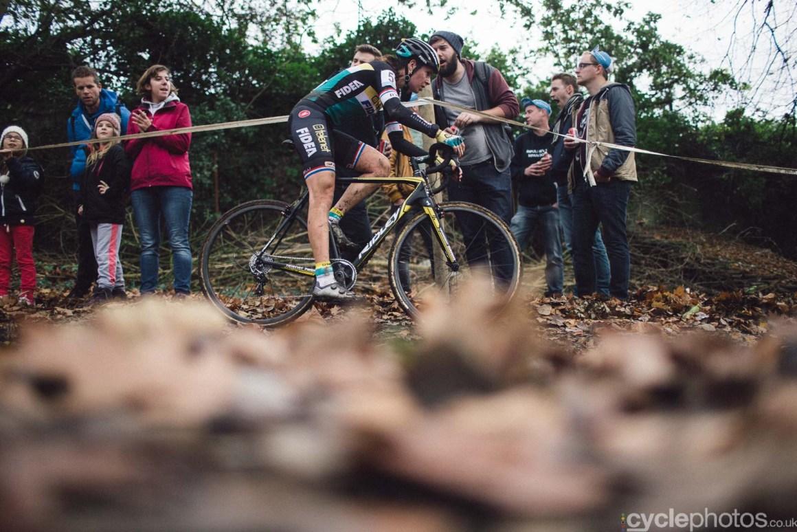 2015-cyclephotos-cyclocross-gavere-142204-nikki-harris