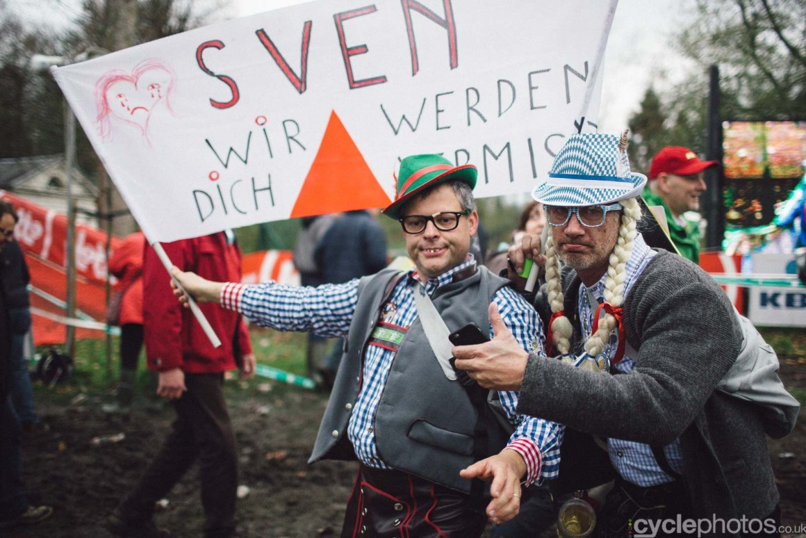 2015-cyclephotos-cyclocross-gavere-161639-supporters