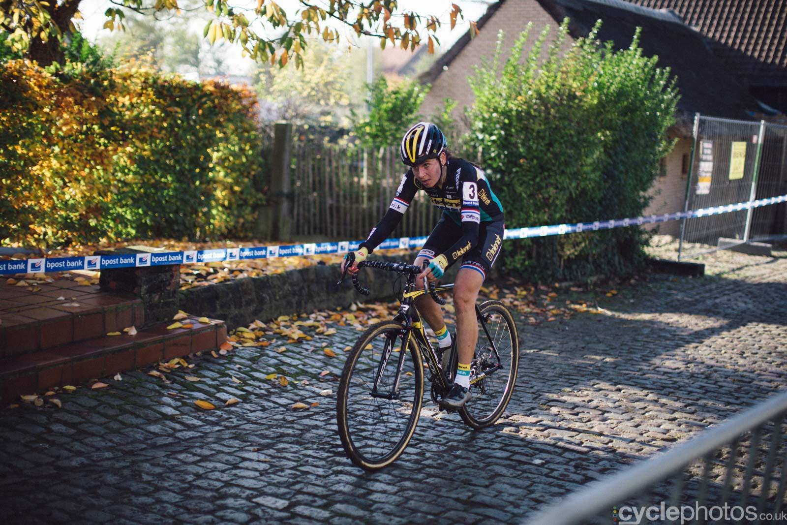 2015-cyclephotos-cyclocross-koppenberg-152204-nikki-harris