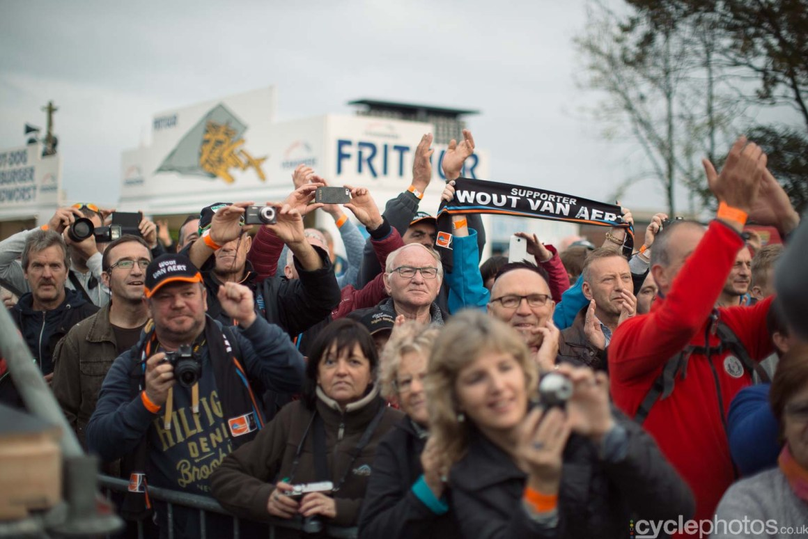 2015-cyclephotos-cyclocross-ruddervoorde-162014-wout-van-aert-supporters