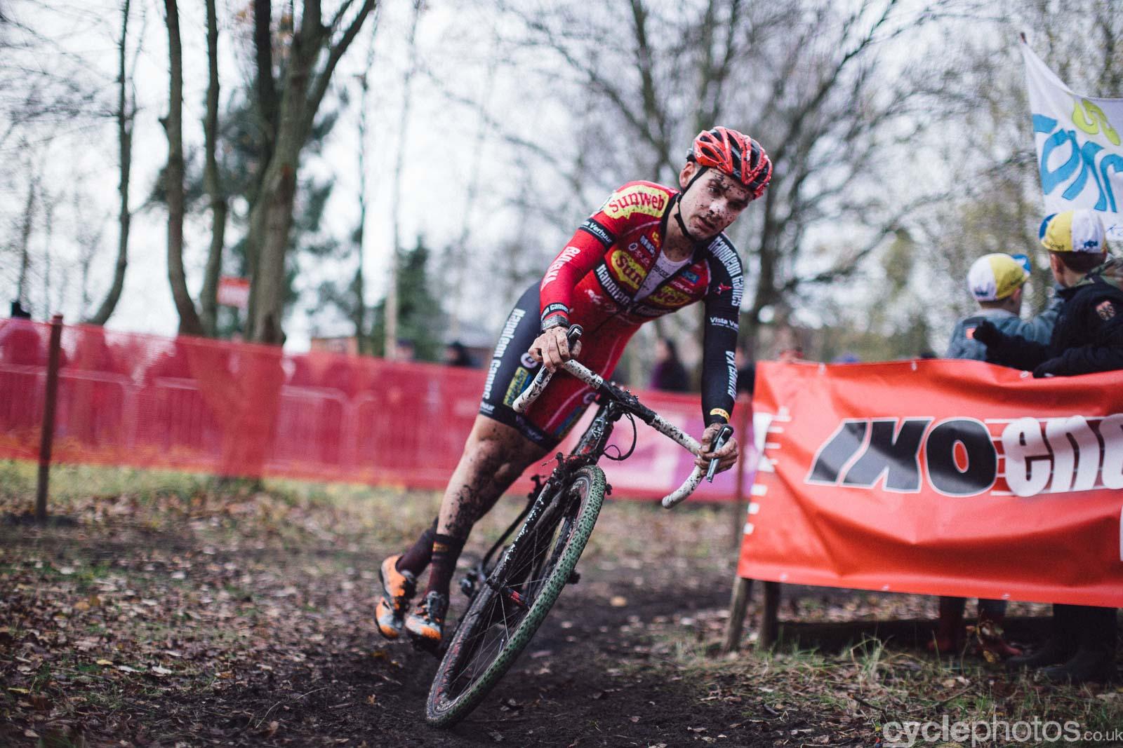 2015-cyclephotos-cyclocross-essen-153859-gianni-vermeersch