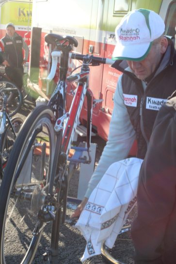 Stevens bike and mechanic of the KwadrO-Stannah Cyclocross Team