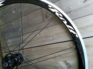 Paired spokes help Rolf make faster wheels