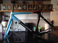 Blue, grey and black colour scheme is a winner here at CycleTechReview.com