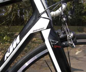 KTM Revelator 5000 has internal cable routing