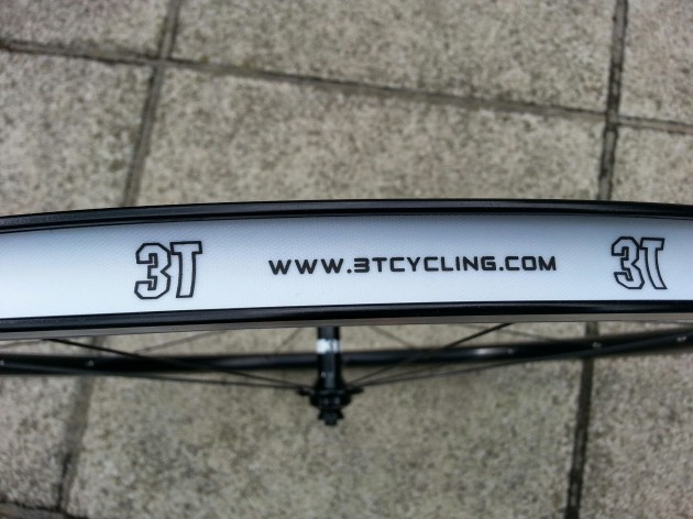 Finish of 23mm rim is very high, with even the tape shouting quality