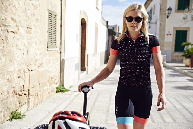 The dhb Blok range comes in men's and women's styles,  this is the micro style.