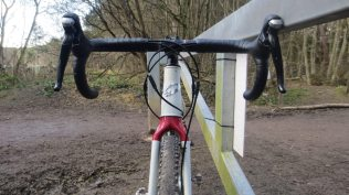 A tapered headset aids front end stiffness on the Niner RLT 9 STeel